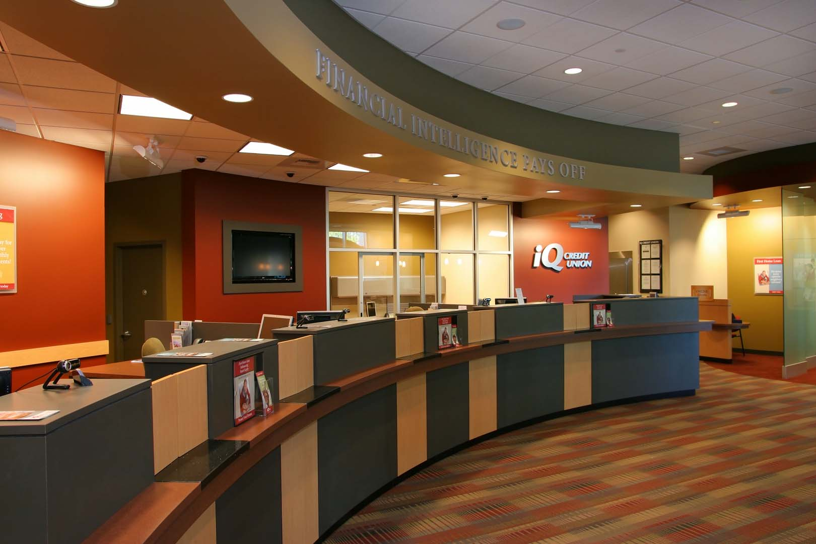 iq credit union headquarters - team construction llc